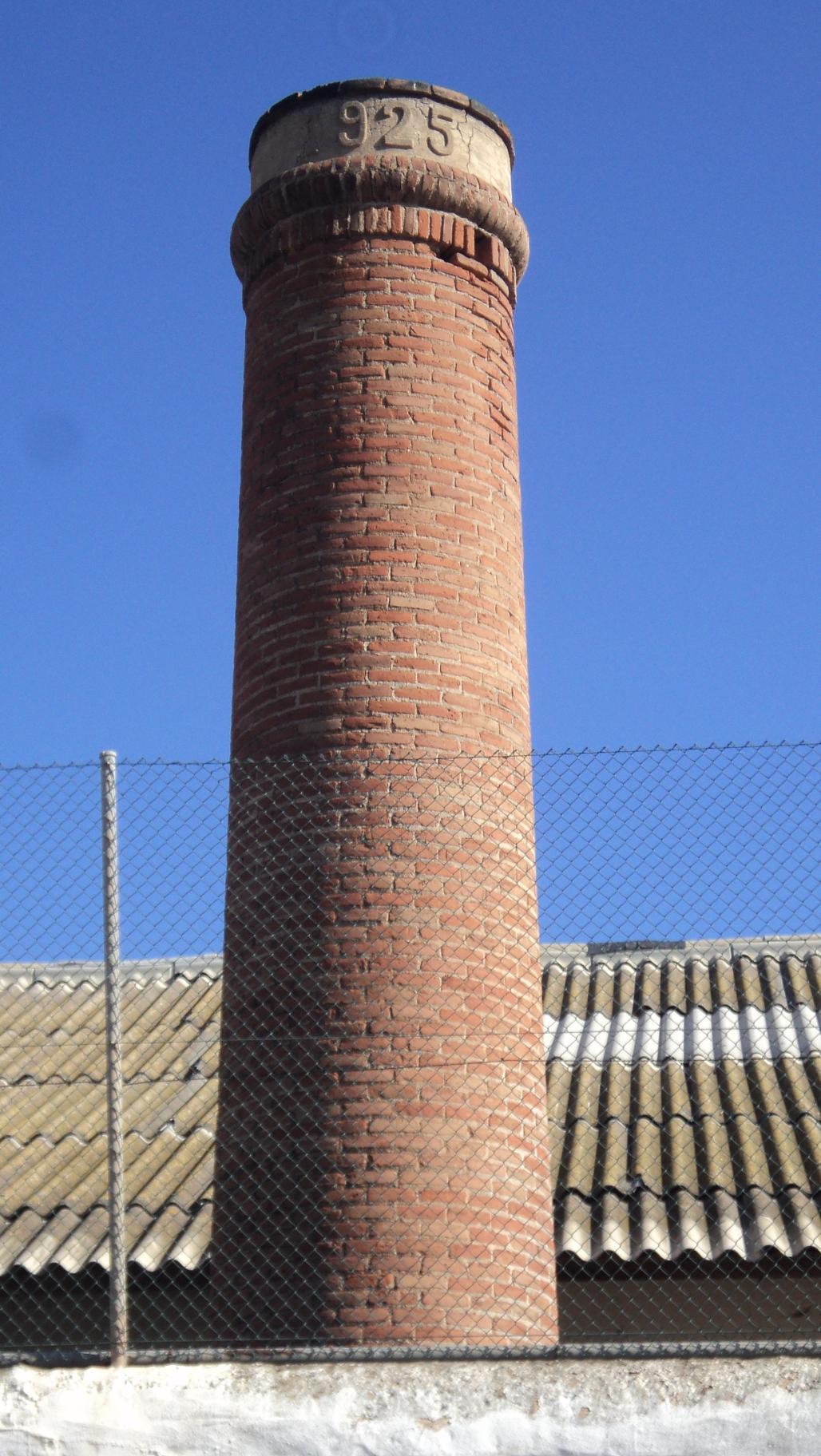 Chimeneas industriales en melilla for Fabrica de chimeneas