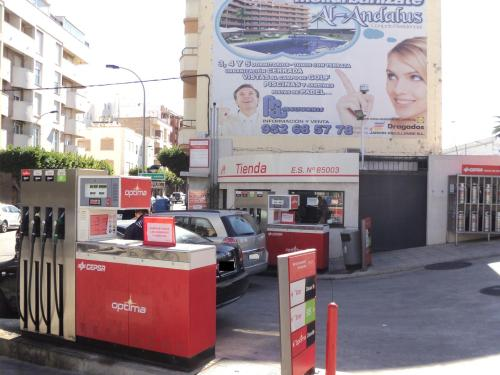 gasolinera abierta