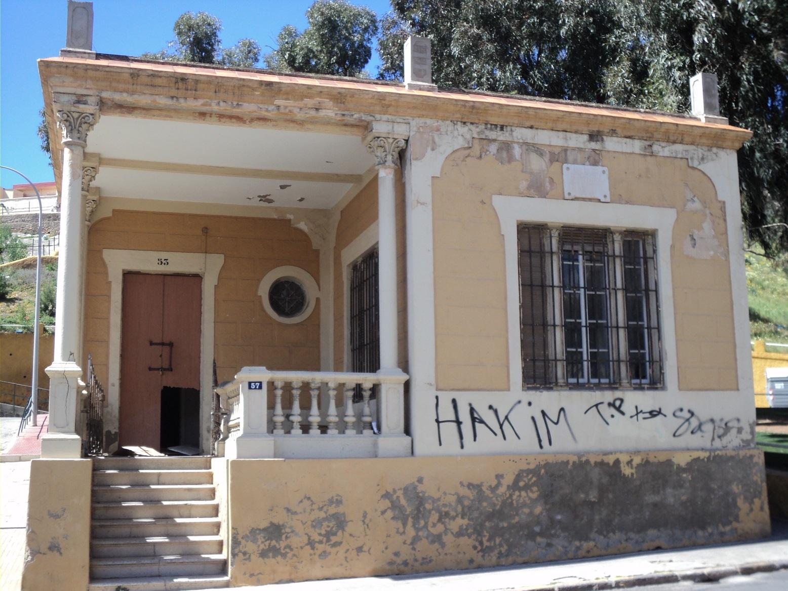 La casa del capell n del cementerio el alminar de melilla for La casa 2013