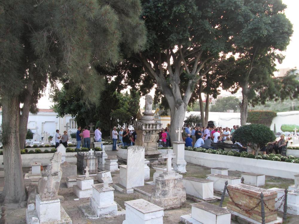 Una tarde de otoño en el cementerio (3/3)