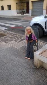 Muñeca en la calle