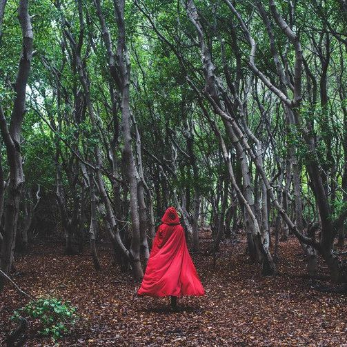 bruja en el bosque – El Alminar de Melilla