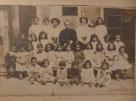 Ubaldina García, con un grupo de alumnas
