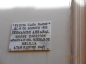 Placa casa de Fernando Arrabal