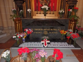 Tiburcio Arnáiz, sepulcro