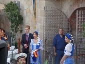 Azafatas con traje típico