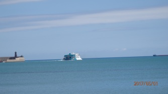 Barco de Balearia partiendo de Melilla