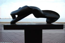 Escultura sobre plinto, Arruf