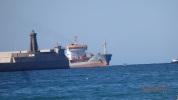 Carguero entrando al Puerto