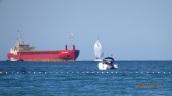 Práctico de Beni-Enzar y buque de carga