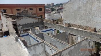 Edificios abandonados y sin techo