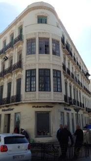 Edificios arruinados y vacíos