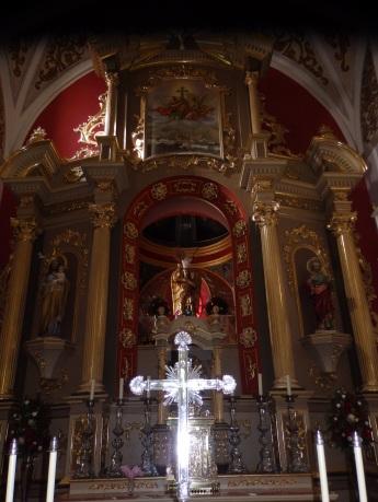 Altar de la iglesia de la Santa Cruz