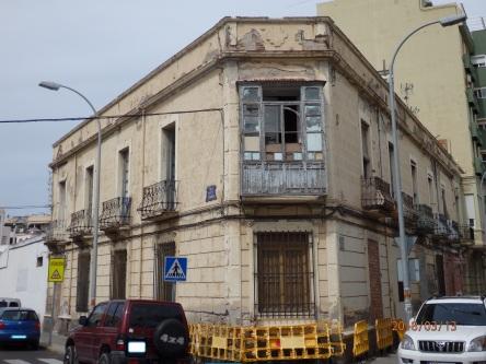 Edificio histórico, calle Aizpuru