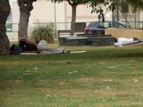 Menores durmiendo en la calle