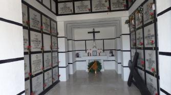 Interior del Panteón de Regulares