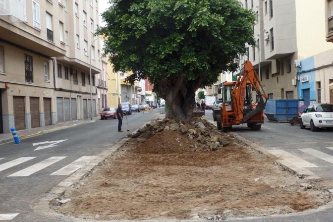 Calle Aragón, eliminación paseo central