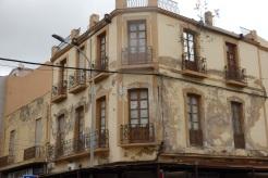 Edificio, calle La Legión