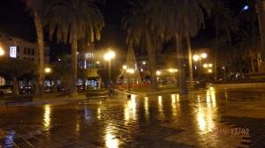 La plaza oscura