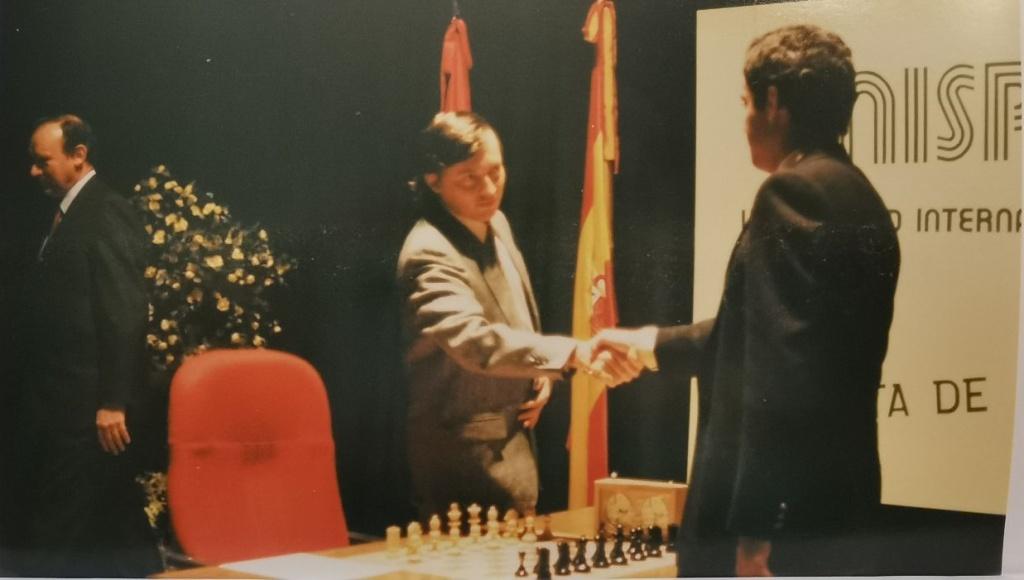 Anatoli karpov y Gary Kasparov